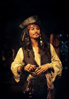 "We just love every time we see ""Jack Sparrow"" on screen, the legendary character portrayed by Johnny Depp in the film sequels Pirates of the Caribbean Jack Sparrow Wallpaper, Johnny Depp Tattoos, Johnny Depp Wallpaper, Young Johnny Depp, Johny Depp, Pirate Life, Pirates Of The Caribbean, Dragon Trainer, Celebrity Crush"