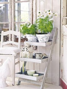 IDEAS & INSPIRATIONS: Shabby Chic Decorating Ideas -Ladder Decorations Ideas