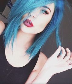 blue green hair