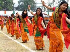Bagurumba dance is very attractive. This dance is generally a formation dance with slow steps and outstretched hands.
