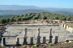CIUDAD IBERO ROMANA DE TORREPAREDONES (Baena, Córdoba) - La visita a Torreparedones es un paseo por 4.000 años de historia, por una ciudad de nombre desconocido, quizá la colonia que Plinio mencionase como Ituci Virtus Iulia
