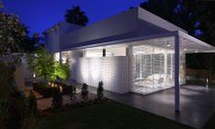 Ramat Hasharon House 1 by Pitsou Kedem Architect Modern Architecture House, Amazing Architecture, Architecture Design, Modern Houses, My Home Design, Modern Design, House Design, Cubes, Pitsou Kedem