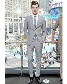 gray suit with coral tie | Gray Suit Grey Suit Tie Mens Fashion Mens Style Handsome looks GQ ...