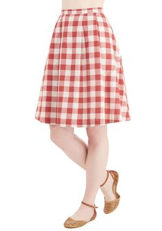 Good Golly Miss Jolly Skirt. Well, hot dog - youre the cheeriest chef at the cookout in this gingham skirt! #red #modcloth