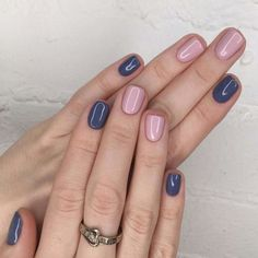 Blue and light pink nail polish combination - Beauty - .- Blue and light pink nail polish combination – Beauty – pink polish combination - Light Pink Nail Polish, Cute Nail Polish, Pink Polish, Nail Pink, Light Colored Nails, Navy Nails, Navy Blue Nail Polish, Glitter Accent Nails, Pink Manicure