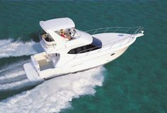 Just Reduced: 34 Silverton Convertible 2005 $129,000 | Contact Joe Laundrie at 917.445.9596 or Joe@DenisonYachtSales.com for more information. #boatsforsales #yachting #motoryacht