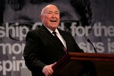 Pastor Chuck Smith Dies of Cancer at 86; Jesus Movement Leader Remembered Fondly
