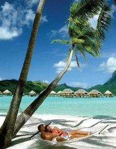 Destino de luna de miel: TAHITÍ #honeymoon #viajes #travel  Consultas por viajes Villamaria@onetrip.com.ar
