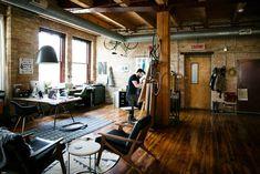 我們看到了。我們是生活@家。: 平面設計師Nicole McQuade與丈夫,在芝加哥的Loft生活!