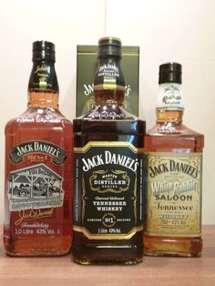 Whiskey Girl, Cigars And Whiskey, Scotch Whiskey, Irish Whiskey, Bourbon Whiskey, Jack Daniel's Tennessee Whiskey, Jack Daniels Bottle, Cocktail Mix, Alcohol Bottles