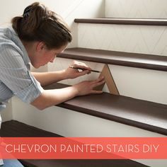 DIY: Chevron Painted Staircase Big, just for you. Painted Staircases, Painted Stairs, Staircase Diy, Basement Staircase, Attic Stairs, Do It Yourself Design, Do It Yourself Inspiration, Creation Deco, Story House