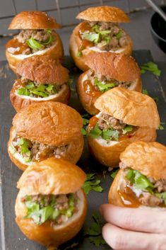 Simple curried mince in a hollowed-out vetkoek. A creative spin on a traditional, cost-effective and DELICIOUS go-to SA meal. Mince Dishes, Food Dishes, Braai Recipes, Cooking Recipes, Peppermint Crisp Tart, South African Recipes, Ethnic Recipes, Melktert, Munch Munch