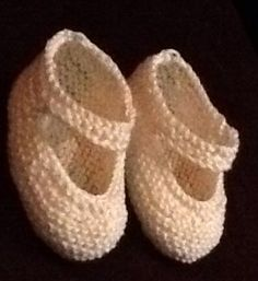Klik for at se et større billede Knitted Booties, Baby Born, Baby Knitting Patterns, Slippers, Booty, Dishcloth, Crochet, Creative, Shoes