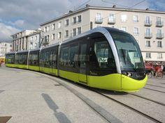 Brest : le tramway sur les rails en juin 2012 http://www.mobilicites.com/011-1347-Brest-le-tramway-sur-les-rails-en-juin-2012.html