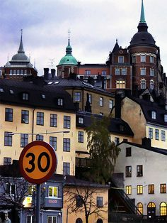 Södermalm --- oh the times I waited for the bus to Hammarensbacken ...