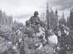 "Their reward: Finnish Red Cross Lotta Svärd of the Kiestinki center have baked the men of the SS-Pioneer/SS-Gebirgsjäger-Division ""Nord"" cakes. Luftwaffe, Helsinki, Division, Red Cross Volunteer, Operation Barbarossa, Story Of The World, World War Two, Ww2, Germany"