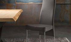 Sedia Lady Sedia con struttura in acciaio, rivestita con seduta imbottita. Schienale sagomato ed ergonomico. Rivestimenti: ecopelle, econabuk, tessuto, lana, pelle. Finiture gambe: cromo, verniciate grafite, bianco o scala RAL. Tessuti sfoderabili.