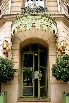 Pasteleria Laduree en Paris
