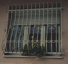 Home Window Grill Design, Iron Window Grill, Grill Door Design, Window Design, Iron Windows, Steel Windows, Stair Railing, Drawing Room, Grills