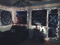 I WANT COOL FLAGS AND CUTE LIGHTS WHY IS MY ROOM SO CHILDISH
