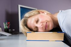 1.Sue had a really bad day at the office,she only manged to get in 3 hours of sleep,