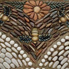 Garden art diy stone pebble mosaic 39 ideas for 2019 . Garden art diy s Mosaic Rocks, Mosaic Stepping Stones, Pebble Mosaic, Stone Mosaic, Pebble Art, Mosaic Art, Mosaic Glass, Mosaic Walkway, Rock Mosaic