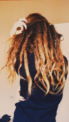 The dreads came out of hiding. Will be 3 years soon Thick Dreads, Short Dreads, Natural Dreads, Baby Dreads, Dreads Girl, Dreadlock Hairstyles, Messy Hairstyles, Hairdos, Hair You Wear