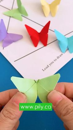 Cool Paper Crafts, Paper Flowers Craft, Paper Crafts Origami, Flower Crafts, 3d Paper, Diy Crafts Hacks, Diy Crafts For Gifts, Creative Crafts, Creative Bookmarks