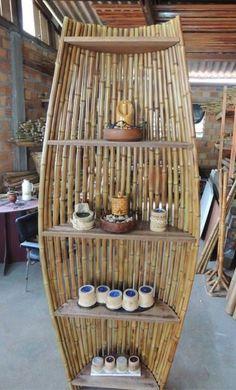 Bamboo Shelf, Bamboo Art, Bamboo Crafts, Bamboo Garden, Bamboo Fence, Wood Crafts, Recycled Crafts, Bamboo Ideas, Bamboo House Design