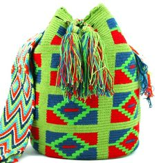 Visit ✨www.mobolso.com✨ for this and many other 'One of a Kind' Wayuu Mochila handmade Bags. Email mobolso@bigpond.com