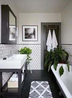 Beautiful master bathroom decor a few ideas. Modern Farmhouse, Rustic Modern, Classic, light and airy bathroom design tips. Bathroom makeover a few ideas and master bathroom renovation a few ideas. Home Design, Bath Design, Design Design, Floor Design, Smart Design, Depot Design, Attic Design, Design Color, Design Styles