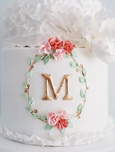 Gorgeous Cake! Perfect for a birthday or wedding.