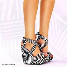 Architectural Touch – White/Black from ILoveCuteShoes.com