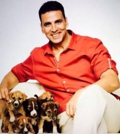 Akshay Kumar is known for his astonishing punctuality. He has recently wrapped up shooting for upcoming Bollywood film Jolly LLB 2 in a short span of time. Bollywood Box, Bollywood Cinema, Bollywood Actors, Bollywood News, Akshay Kumar Photoshoot, Akshay Kumar Style, Jolly Llb, Twinkle Khanna, Dhoni Wallpapers