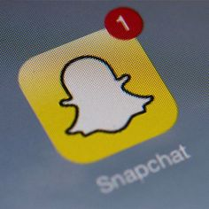 Pros and cons of using Snapchat for college social media