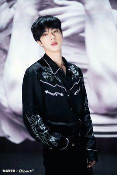 "Read Seok Jin - Worldwide Handsome from the story Imagina con BTS: ""Soñar No Cuesta Nada"". Jimin, Bts Jin, Suga Rap, Bts Selca, Jungkook Jeon, Jin Kim, Kim Namjoon, Bts Bangtan Boy, Bts Boys"