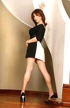 Sonia Grey photoshoot Cr7 Juventus, Italian Actress, Sexy Legs, Mini Skirts, Photoshoot, Actresses, Grey, Fashion, Female Actresses