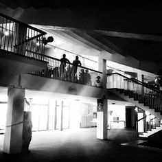 Photographie prise lors de la #visitepriveelacriee le Samedi 19 avril à 18h30.  © Copyright : @jojo_mars Plus d'infos : www.theatre-lacriee.com – à Théâtre La Criée.