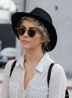 Julianne Hough's braided crown is the perfect style to pair with a hat! Channel her look this spring...
