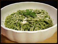 "AMIEs Green Spaghetti! ""a satisfying spaghetti dish.  :positive ~ sooo good and perfect!  :-)""  @allthecooks #recipe #pasta #healthy #spaghetti #easy #vegetarian"