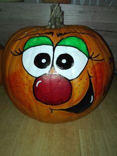 Halloween ideas Cute Pumpkin Carving, Disney Pumpkin Carving, Pumpkin Art, Pumpkin Faces, Scary Halloween Pumpkins, Halloween Decorations, Quick Halloween Crafts, Halloween Ideas, Painted Pumpkins