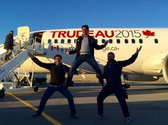 """""""Justin Trudeau hams it up with members of campaign team arriving Montreal this morning for Election Day Moving To Canada, Canada Travel, Justin Trudeau Family, Trudeau Canada, Justin Time, The Twits, Canadian Girls, Canadian History, Trump Jr"""
