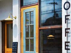 アンティークの扉。店舗デザインはNICOFRS。