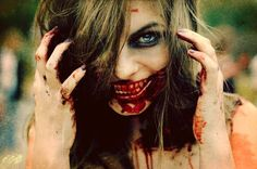 Very Scary Halloween Make Up Ideas For Girls 2013 2014 8 Very Scary Halloween Make Up Ideas For Girls 2014 Creepy Photography, Horror Photography, Dark Photography, Photography Ideas, Creative Photography, Halloween Photos, Scary Halloween, Halloween Make Up, Halloween Costumes