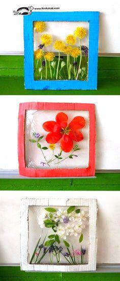 Krokotak flower panels nature craft for kids. How to make flower panels from real flowers, cardboard & plastic wrap. Summer Crafts, Fun Crafts, Arts And Crafts, Spring Activities, Activities For Kids, Nature Activities, Projects For Kids, Art Projects, Older Kids Crafts
