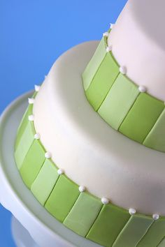 how to - decorate cakes with fondant
