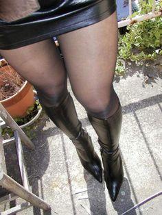 極抜きライフ~素人極エロ画像 : ブーツ履いてる人ってやっぱり美脚だよなwww冬はブーツに限るwww