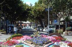 Città ricca di fiori e colori