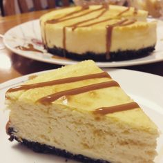 Pillow Cheesecake with Salted Caramel Sauce | worldcafeforu