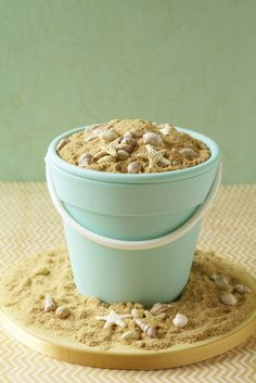 Beach bucket cake #cakeart I'm in love with this cake!